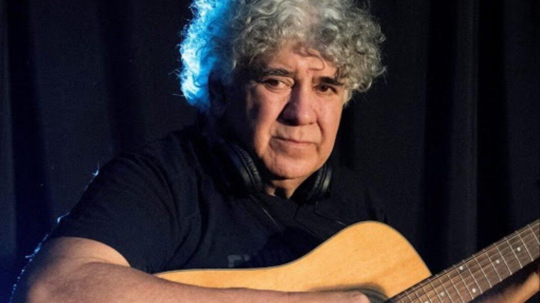 Rinaldo Rafanelli - Rino y su guitarra.